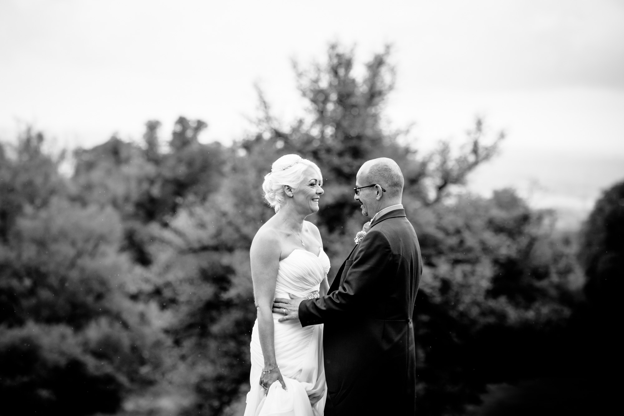 Bride and groom relaxed portrait photos